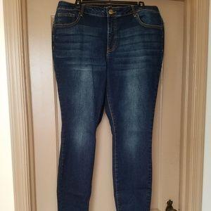 FTF  Size 16 Skinny Jeans Dark Wash